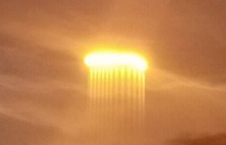 Поразительную небесную аномалию засняли над рекой Миссури