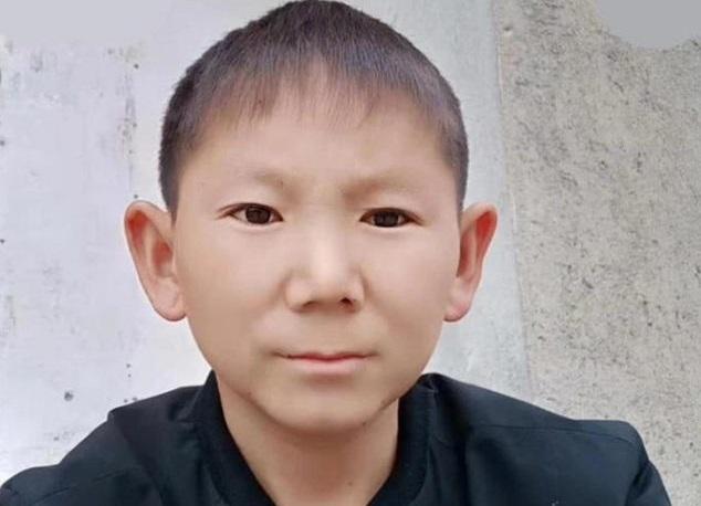 В 34 года китаец выглядит как 6-ти летний: после удара головой мужчина перестал взрослеть