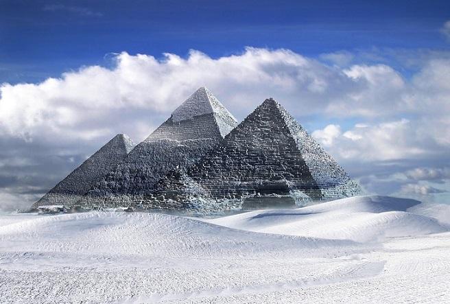 """Древнейшие пирамиды на Земле скрываются под толщей снежного покрова Антарктиды"""" />"""
