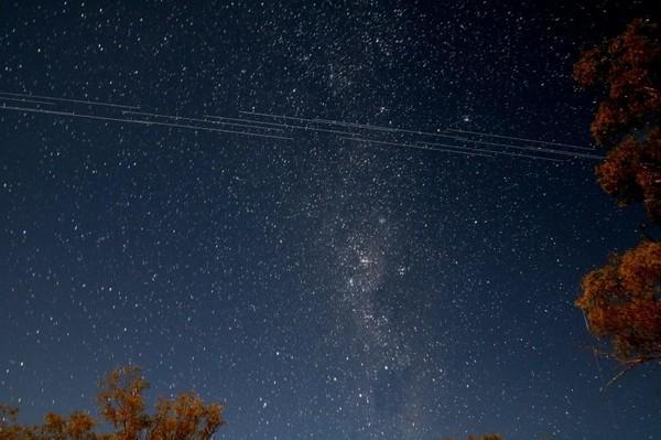 Астрономы ополчились на Илона Маска за «испорченное небо»