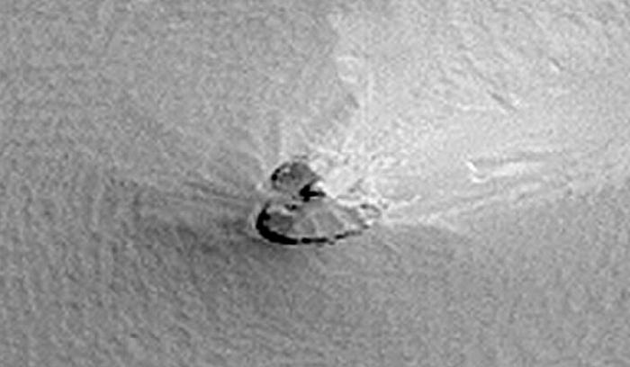 На Марсе обнаружен разбитый корабль пришельцев (3 фото + видео)