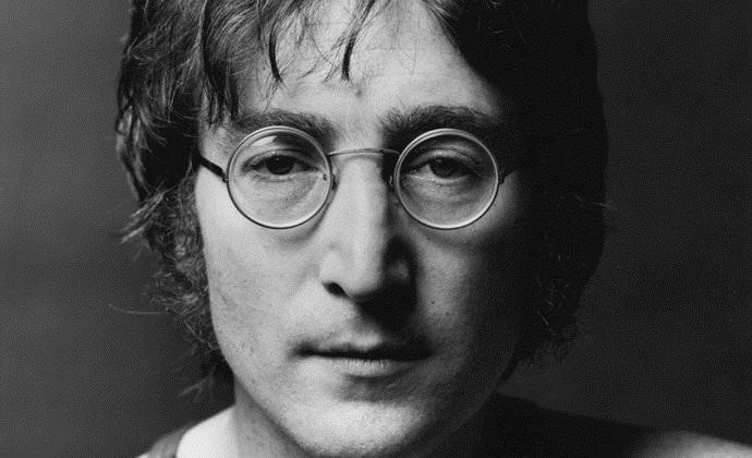 Джона Леннона похищали пришельцы