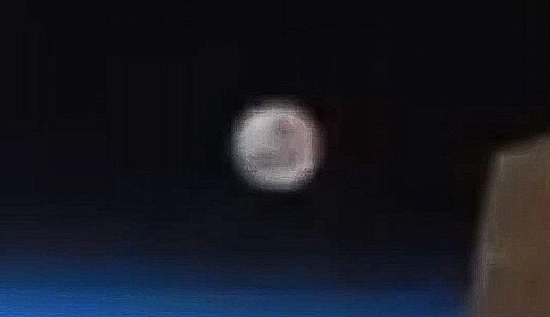 Зафиксирован гигантский НЛО, пролетевший вокруг Земли