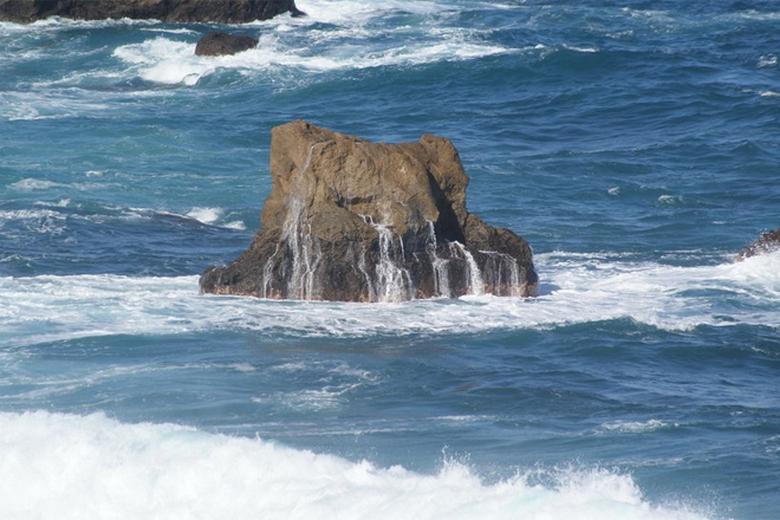 Странные квадраты на воде