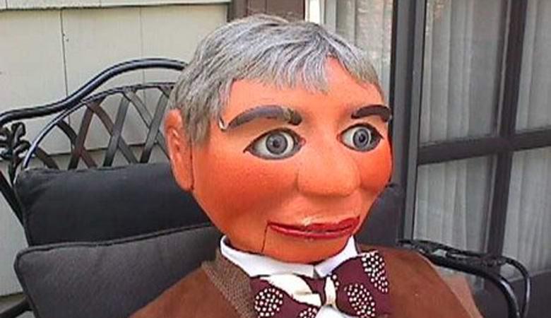 Загадочная кукла, которую официально подозревали в убийствах