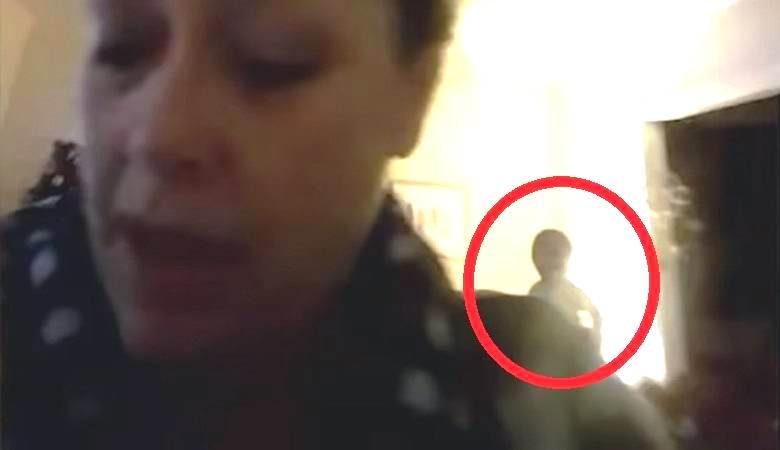 Загадочная фигура попала в объектив веб-камеры