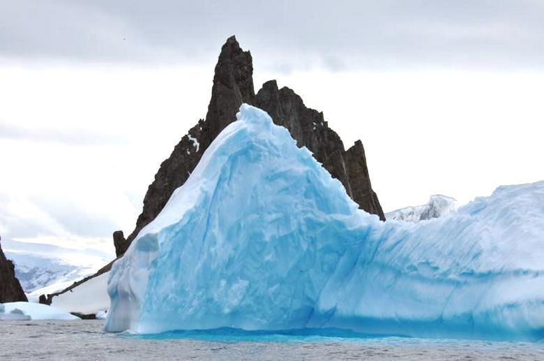 В Антарктиде нашли таинственную «башню»