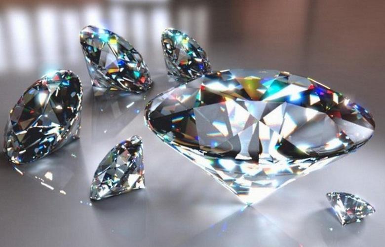 Бриллианты не самые редкие и красивые, зато отчего-то самые дорогие драгоценные камни