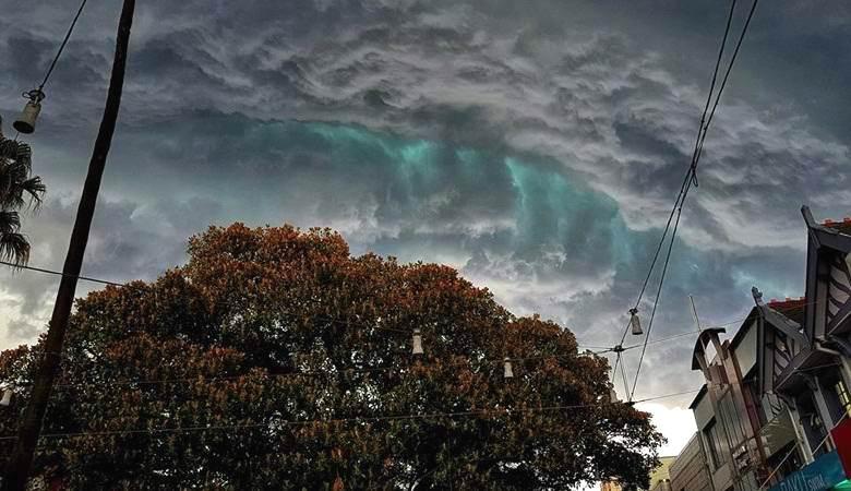 Сказочные изумрудные облака возникли над Сиднеем